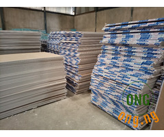 Plaster board/ Gypsum board
