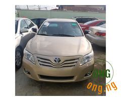 Toyota Camry LE Gold 2010