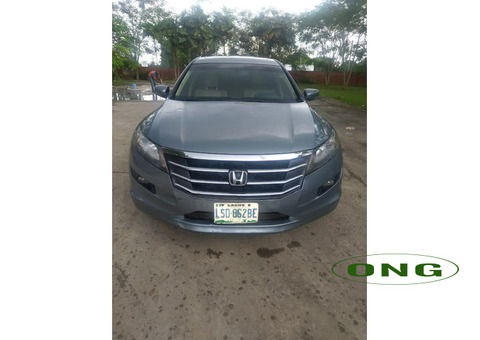 Very Clean Honda Crosstour 2010 for Quick sell ( Negotiable)