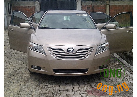 Feshly Cleared Toyota Camry 2009 Xle - Auto