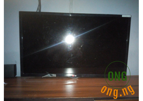 Fairly used 32 inches LG TV