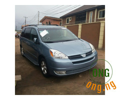 Toyota Sienna 2005 for sale with the full option.