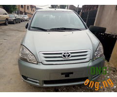 Neat tokunbo Toyota avensis 2006 mpdel