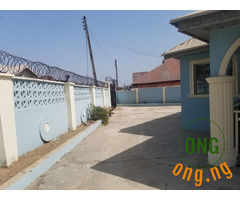 House for sale in halleluyah estate