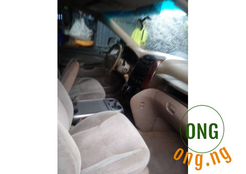 Toyota Sienna (Very Clean) Very much Negotiable