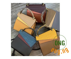 Multicolored medium hand bag