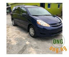 Tokumbo 2006 Toyota Sienna CE For Sale