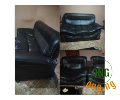 Black 7 seater leather settee for sale in Lagos